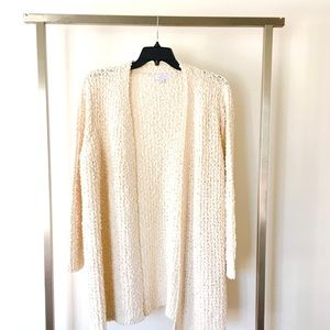 Sweaters - 🆕Ivory Knit Cardigan